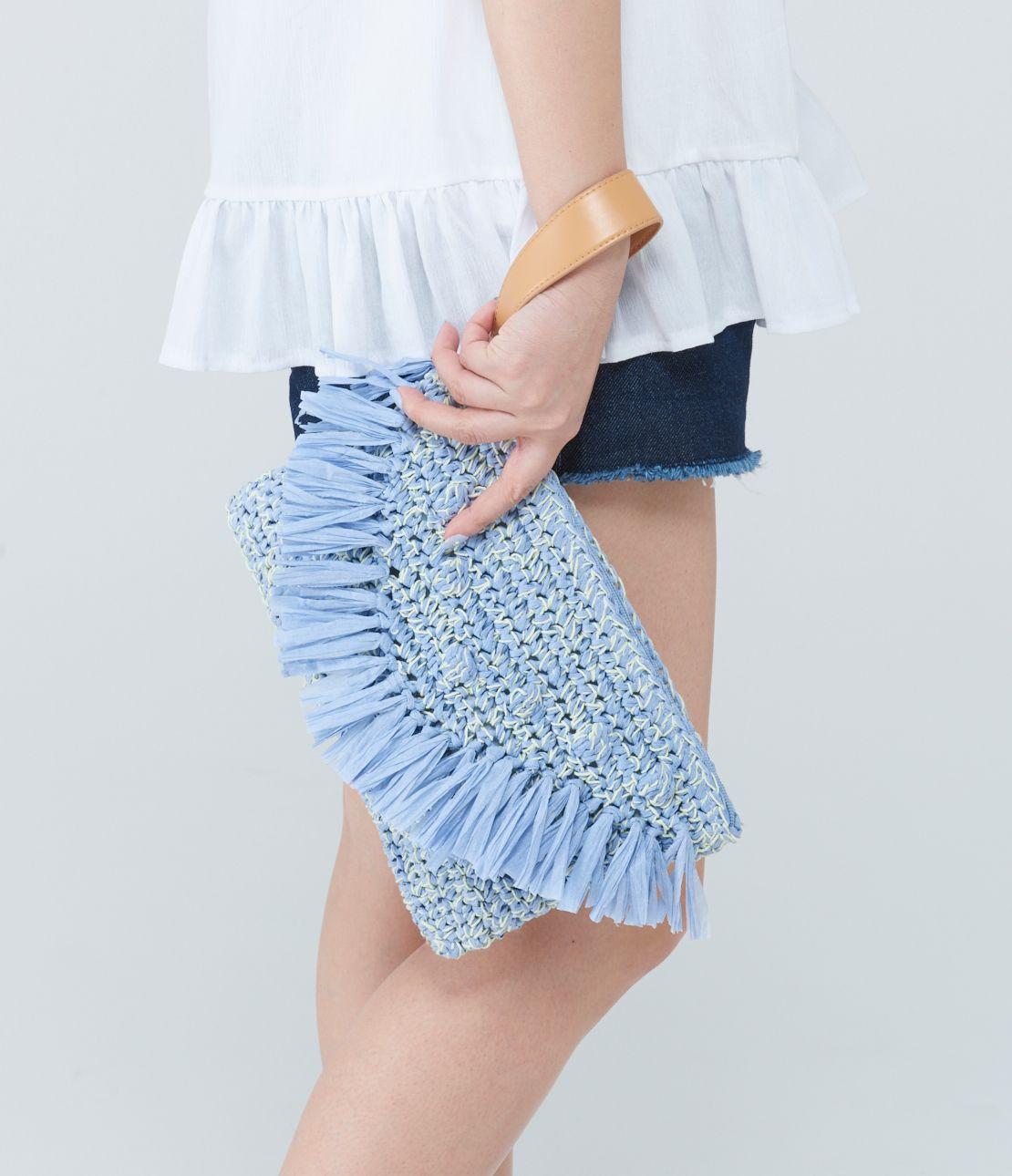 Kyaserini paper knit clutch