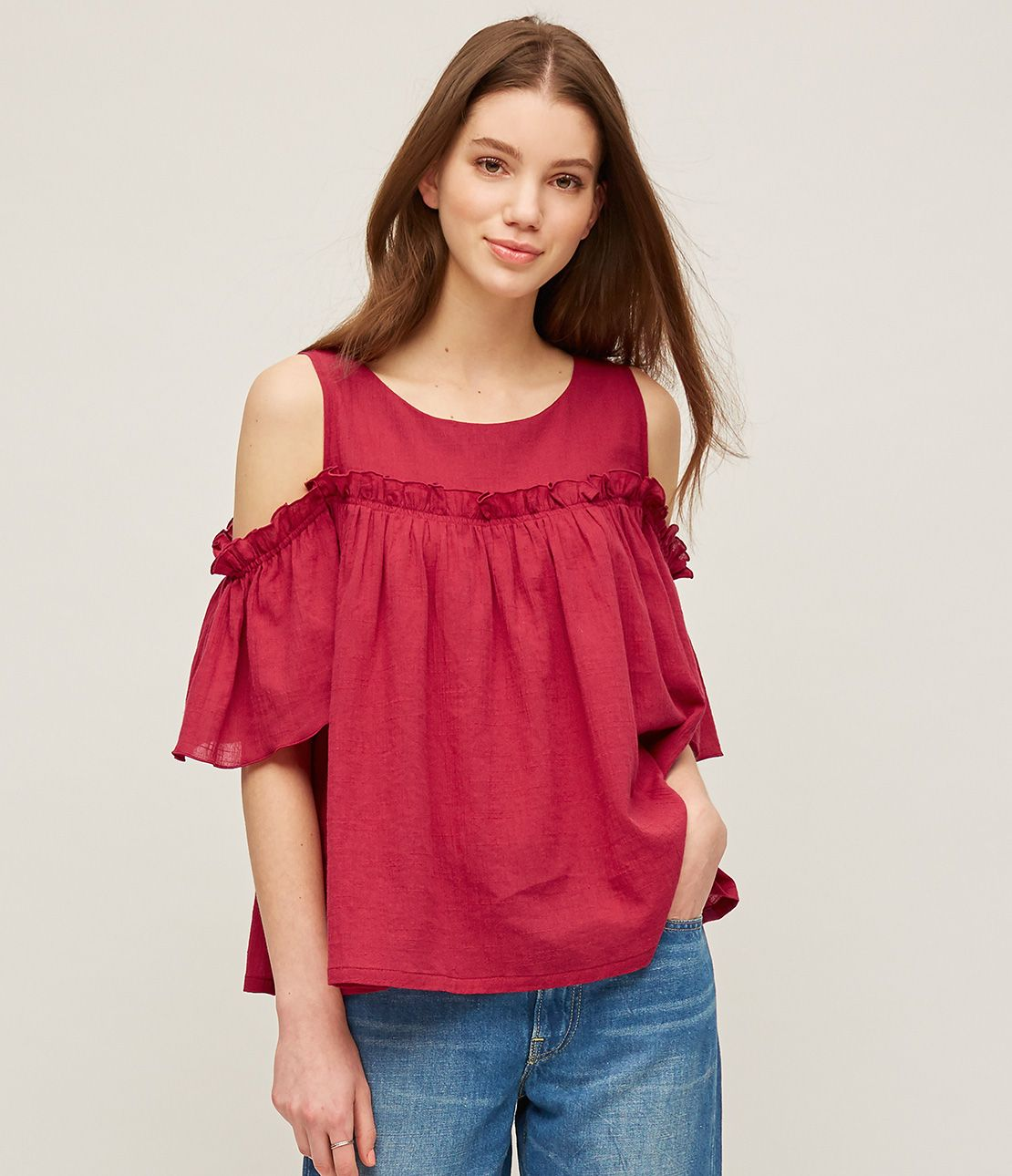 Crinkle open shoulder flare top