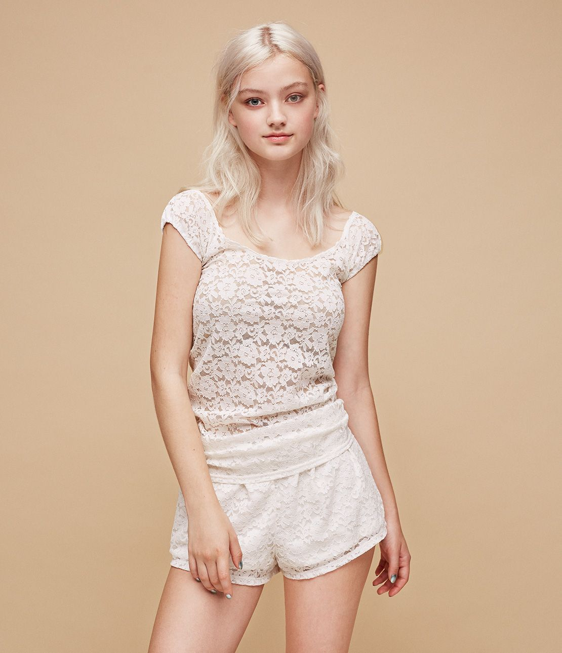 Ms. Pikki Lady lace cap sleeve