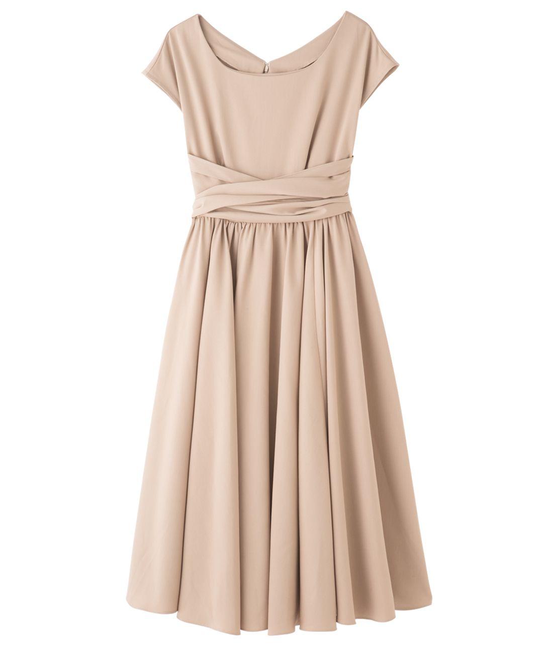 西形连衣裙
